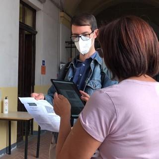 """Rientro a scuola a Savigliano: al Cravetta Marconi """"l'applicazione per controllare il Green Pass funziona benissimo"""" (FOTO E VIDEO)"""