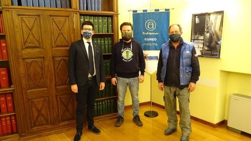 Da sinistra: Joseph Meineri, direttore Confartigianato Cuneo; Roberto Lerda, rappresentante provinciale dei Birrai; Alberto Canavese, vice rappresentante provinciale dei Birrai.