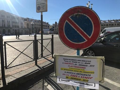 Pulizia dell'area mercatale a Cuneo: dalle 19 divieto di sosta con rimozione forzata