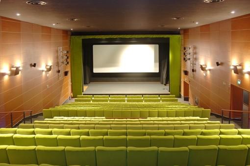 Il 13 maggio riapre il cinema Monviso di Cuneo: si riparte con Nomadland, Oscar 2021