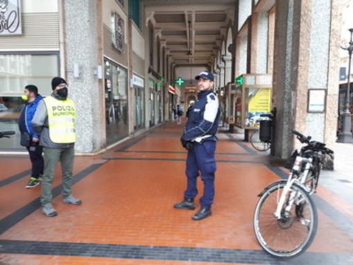 Agli agenti della Polizia locale di Cuneo indennità fino a 338 euro per l'emergenza coronavirus
