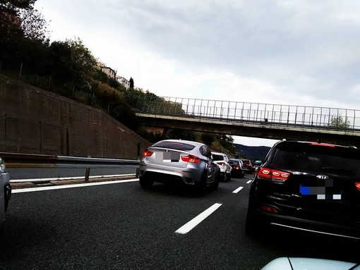 Zona gialla e spostamenti tra regioni: lunghe code sulla direttrice Torino-Savona