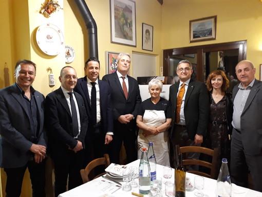 Alcuni momenti della cena ospitata dalla celebre osteria di Gemma Boeri