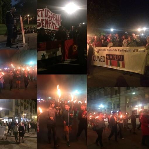 La fiaccolata per la Libertà illumina la città di Cuneo nel segno della solidarietà e dell'uguaglianza