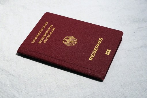 La cittadinanza italiana: modalità e costi per ottenerla