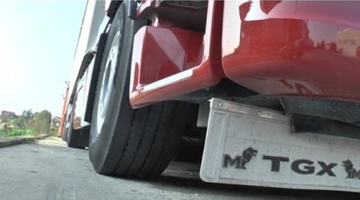La cuneese Assotrasporti chiede alle aziende di carico/scarico di permettere l'accesso ai servizi ai camionisti