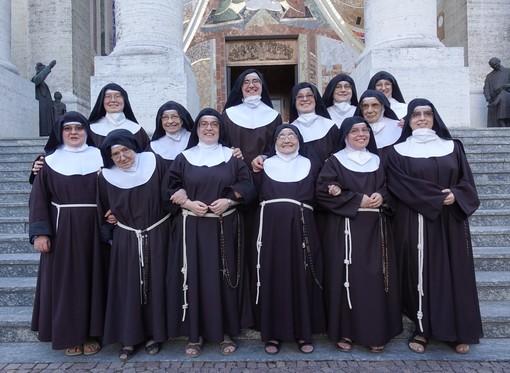 Il benvenuto di Bra alle Clarisse di Boves nella messa celebrata alla Madonna dei Fiori (Foto)