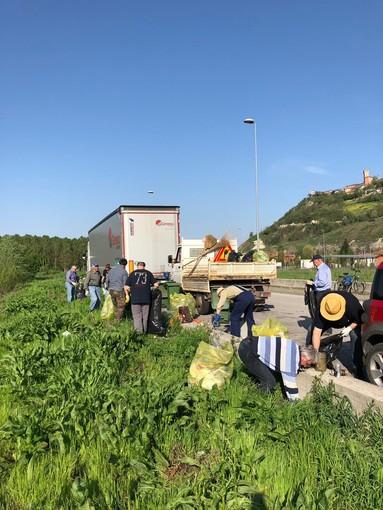Un mondo più sano e più pulito: Santa Vittoria d'Alba cerca volontari per il World Cleanup Day