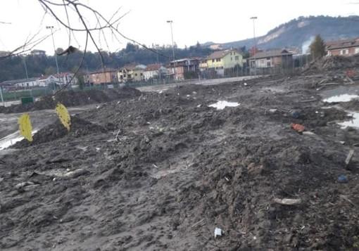 I detriti dell'alluvione sul piazza Le Val