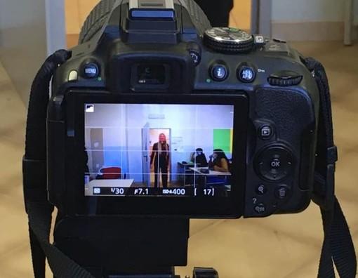 """Il """"Baruffi"""" di Ceva diventa un set cinematografico per raccontare la scuola ai tempi del Covid (VIDEO)"""
