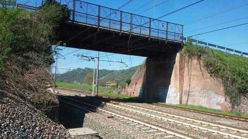 Criticità strutturali per due cavalcaferrovia a San Michele Mondovì: RFI pone dei limiti alla circolazione
