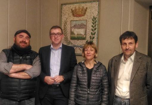 Da sinistra l'assessore Fabio Climaci, il sindaco paoletti, la nuova candidata Elisa Bertaina, di Rivoira, e il consigliere Gianluca Cavallo