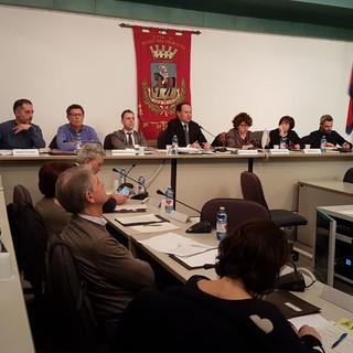Consiglieri di Borgo tenuti all'oscuro sulla programmazione del piano strategico della Fondazione CRC: Fantino interroga il sindaco Beretta