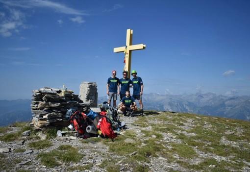"""Luca Erbì, Cristian Baudena, Gioele Ramondetti, e Paolo Garelli sul Monte Bertrand a 2.482 metri lungo il """"Cammino delle Alpi del Mediterraneo"""""""