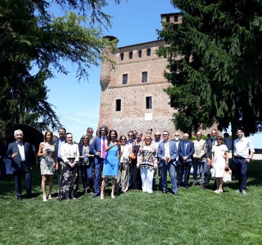 Alcuni momenti dell'incontro tenuto sabato al castello di Grinzane