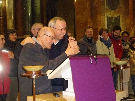 Bra: una folla di persone per l'ultimo saluto a don Sergio Boarino