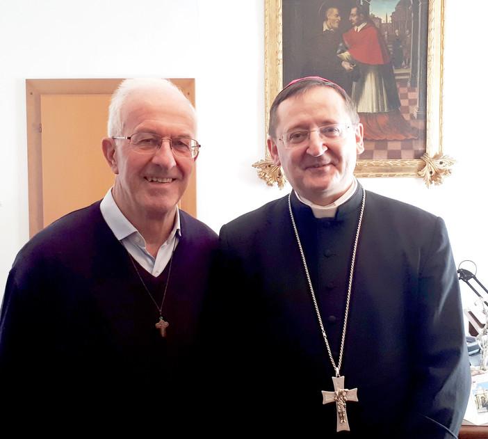 Saluzo, don Giuseppe Dalmasso con il vescovo Cristiano Bodo, dopo la nomina a vicario generale della Diocesi di Saluzzo