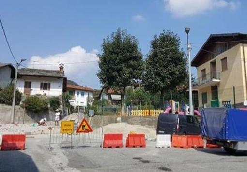 Rifreddo, si completa l'area rialzata davanti l'asilo comunale: dal 3 al 11 agosto chiusa via Vittorio Emanuele II