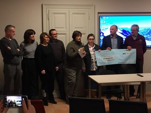 """Narzole: 2.500 euro alla Lilt dalla onlus """"Camminando con Michela"""""""