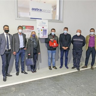 Un defibrillatore per Astra Cuneo: è stato donato dall'agenzia Leasing