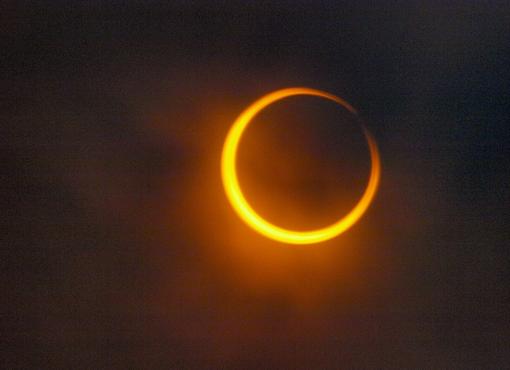 Eclissi di sole anulare, immagine di repertorio - Pixabay