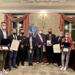 Envie: il consiglio comunale premia i cittadini illustri