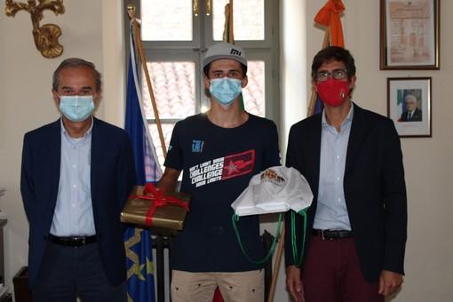 Elia Brizio ricevuto dal sindaco Fogliato e dall'assessore Demaria