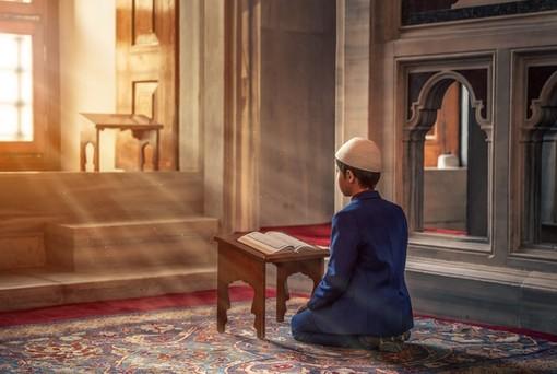 Educazione religiosa dei figli: a qualsiasi religione, ma che ci sia