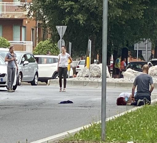 Investita una donna in corso Monviso a Cuneo: polizia locale e sanitari sul posto
