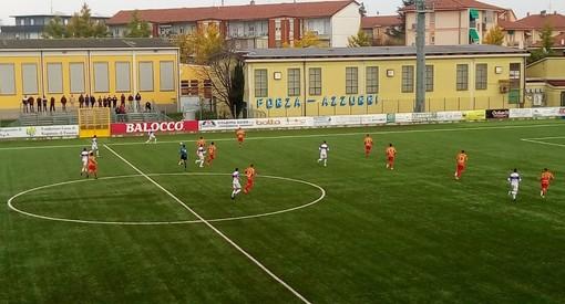 Fossano e Bra in azione durante il derby del girone d'andata