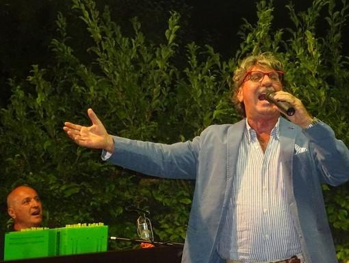 Il cantautore delle Langhe, originario di Coazzolo, Piero Montanaro
