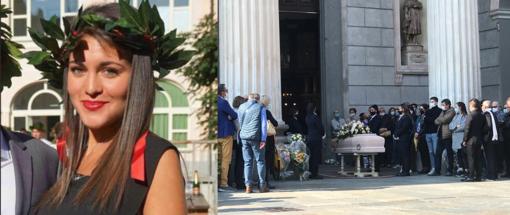 """Silenzio e dolore al funerale di Camilla: """"La tua vita ci insegni a valorizzare ogni istante di questo tempo limitato che ci è dato"""""""