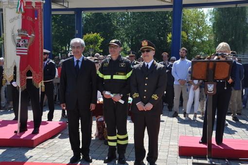 Buona festa della Repubblica dai vigili del fuoco di Cuneo (VIDEO)