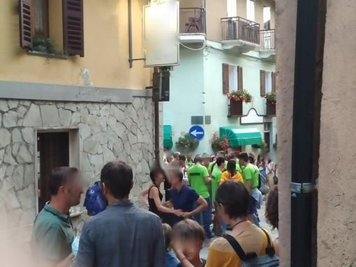 """Assembramenti a Vernante per la festa dell'Assunta, il sindaco: """"Mi assumo la responsabilità per non aver tutelato la sicurezza di tutti"""""""