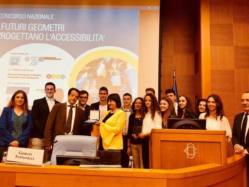 Futuri Geometri di Cuneo progettano l'accessibilità degli ex bagni pubblici e vincono un concorso nazionale (VIDEO)