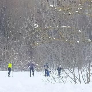 Tantissima gente in montagna, per godere del potere terapeutico dell'attività sportiva in natura