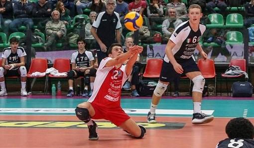 Volley maschile A2 - Cuneo, il giovane libero Francesco Bisotto completa la rosa di Seniotti