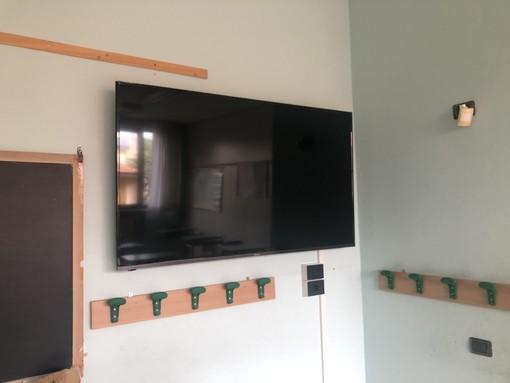 Due Smart Tv donate al comprensivo di Bene Vagienna: il grazie alla BCC Casalgrasso e Sant'Albano