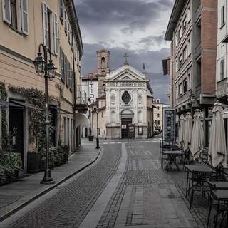 Via Cavour a Bra (foto di Tino Gerbaldo)