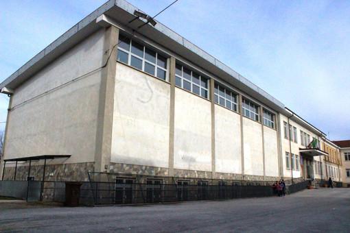 La facciata della scuola