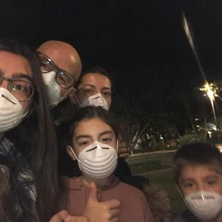 """Il cuneese Gianluca Bianco a Tenerife con la famiglia: """"Se la Spagna avesse preso subito esempio dall'Italia, forse le cose adesso non sarebbero così gravi"""""""