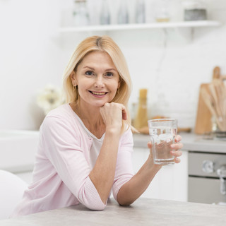 Gambe gonfie? La dieta e gli esercizi utiliEcco i rimedi naturali di Fab SMS