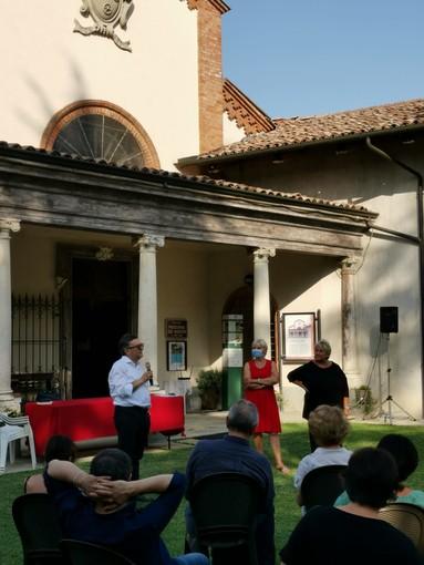 Il borgo di Vezza d'Alba valorizzato dallo scrittore Gian Luca Favetto