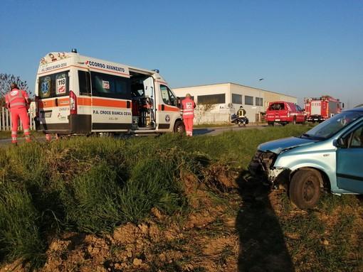 Auto fuori strada tra Ceva e Lesegno sulla SS 28: ferita una donna