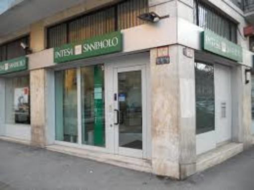 Intesa Sanpaolo sospende il pagamento dei dividendi