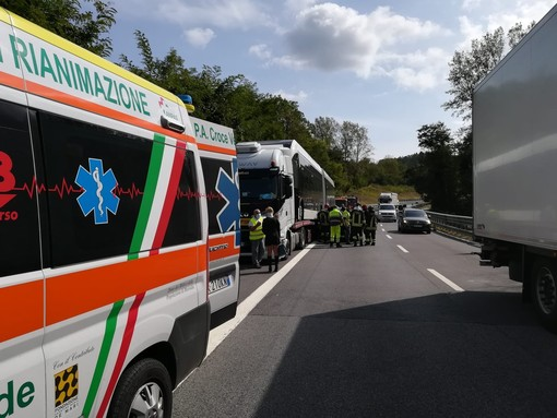 Tamponamento sulla A6 Torino-Savona: coinvolti un'auto e un mezzo pesante