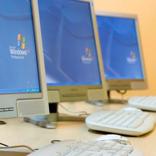 Computer e una donazione al Comprensivo di Barge: il grazie del dirigente al Vallauri di Fossano e al Lions club di zona