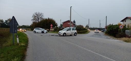 Cuneo, scontro tra due auto all'incrocio per frazione Spinetta