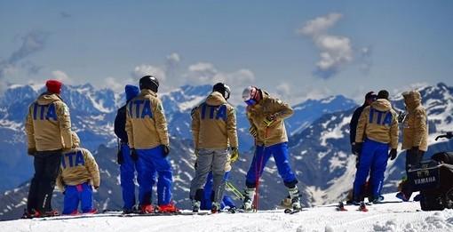 Sci alpino femminile: Marta Bassino con il team di Coppa del mondo al lavoro sul ghiacciaio di Hintertux