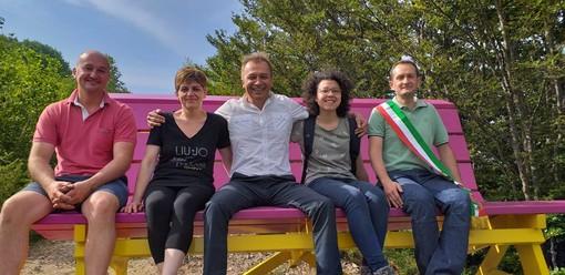 Viola: inaugurata la big bench presso il Bricco del Monte (FOTO e VIDEO)